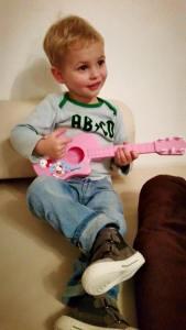 Mika_Gitarre